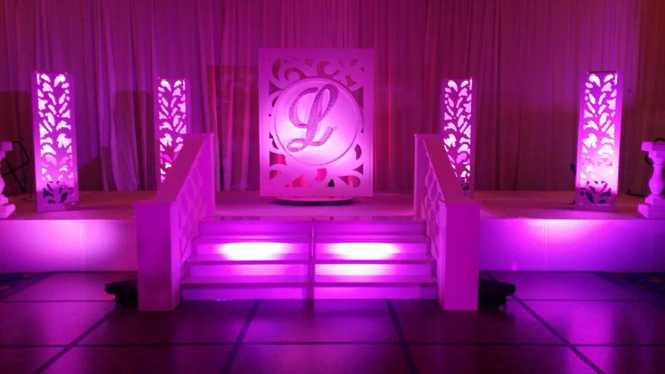 Arabic Stage For Quinces, Paris Quince Stage, power djs, miami quinces, Quince Stages, Quinceaneras, Miami Partys, Sweet 16\'s, 15 Teens, ispdj